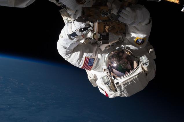 astronaut-877296_1920